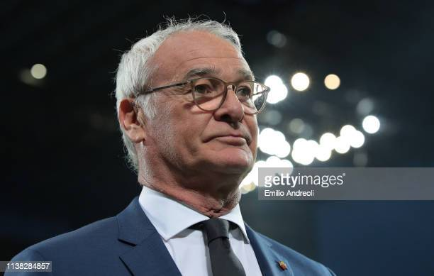Roma coach Claudio Ranieri looks on during the Serie A match between FC Internazionale and AS Roma at Stadio Giuseppe Meazza on April 20 2019 in...