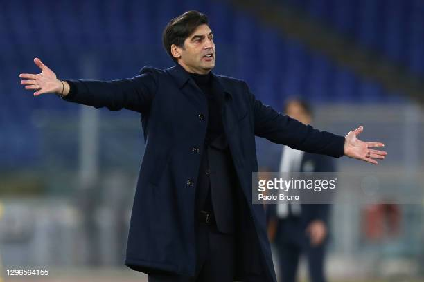 Roma coach Paulo Fonseca gestures during the Serie A match between SS Lazio and AS Roma at Stadio Olimpico on January 15, 2021 in Rome, Italy.