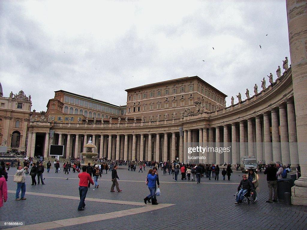 Roma - Colonnato di San Pietro : Stock Photo