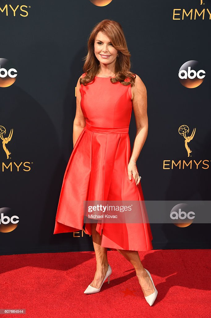 Roma Downey attends 68th Annual Primetime Emmy Awards at Microsoft Theater on September 18, 2016 in Los Angeles, California.