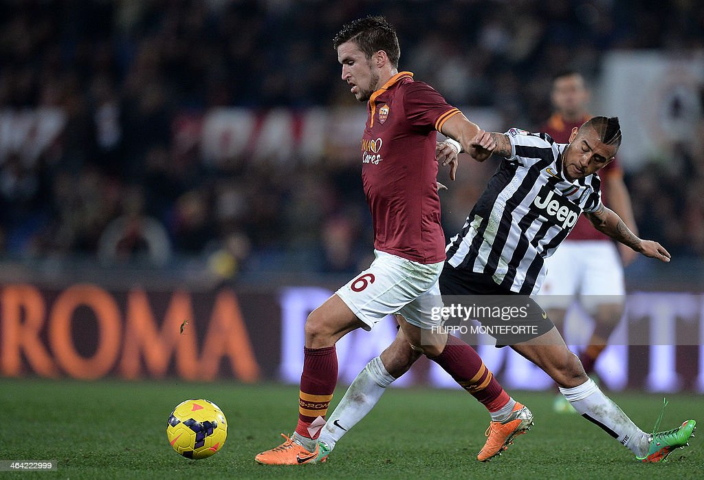 FBL-ITA-CUP-AS ROMA-JUVENTUS : News Photo