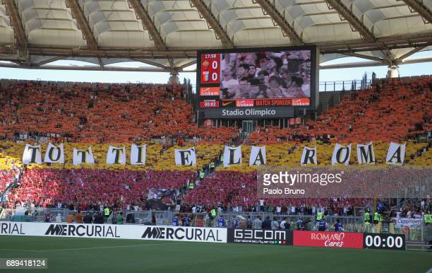 Roma fans greet Francesco Totti for his last match during the Serie A match between AS Roma and Genoa CFC at Stadio Olimpico on May 28 2017 in Rome...