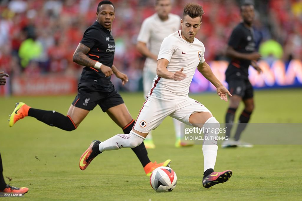 Roma forward Stephan El Shaarawy (92) advances the ball against Roma during their friendly soccer match at Busch Stadium in St. Louis, Missouri on August 1, 2016. / AFP / Michael B. Thomas