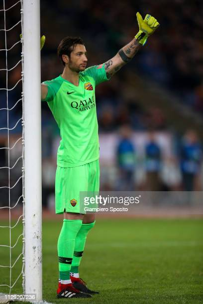 Roma goalkeeper Antonio Mirante gives instructions to his teammates during the UEFA Champions League Round of 16 First Leg match between AS Roma and...