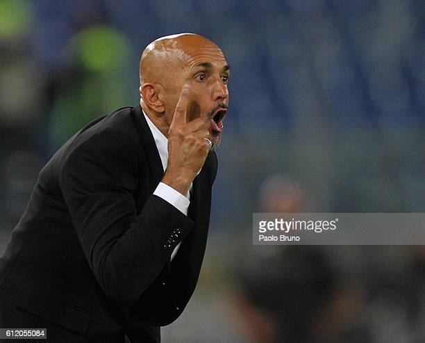 Roma head coach Luciano Spalletti reacts during the Serie A match between AS Roma and FC Internazionale at Stadio Olimpico on October 2 2016 in Rome...