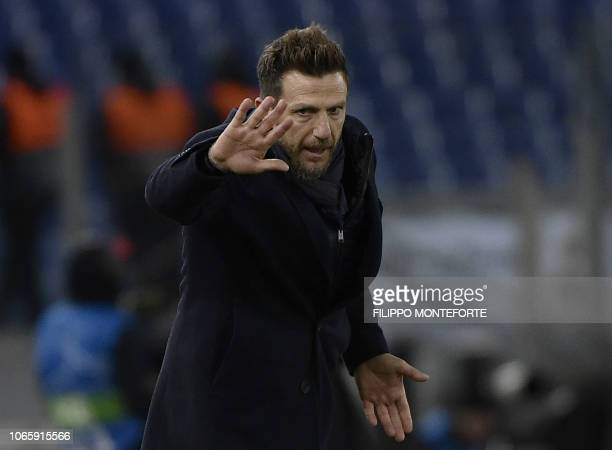 AS Roma Italian coach Eusebio Di Francesco gives instructions during the UEFA Champions League group G football match AS Rome vs Real Madrid on...