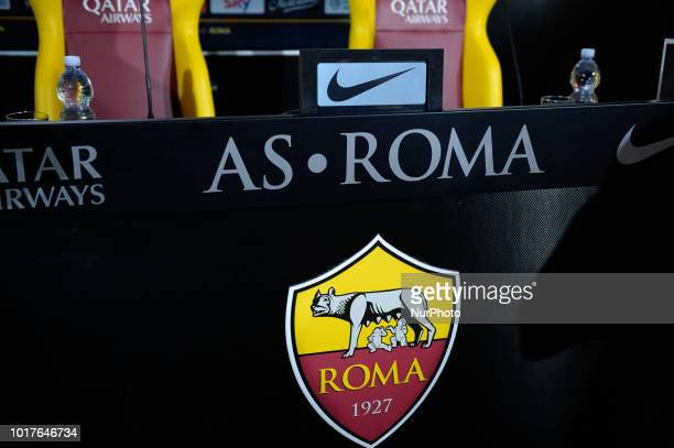 144 Logo As Roma Photos And Premium High Res Pictures Getty Images