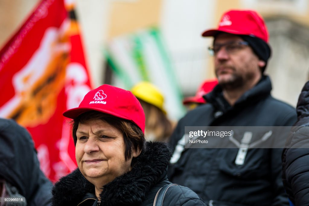 Workers protest in front of Rome's town hall