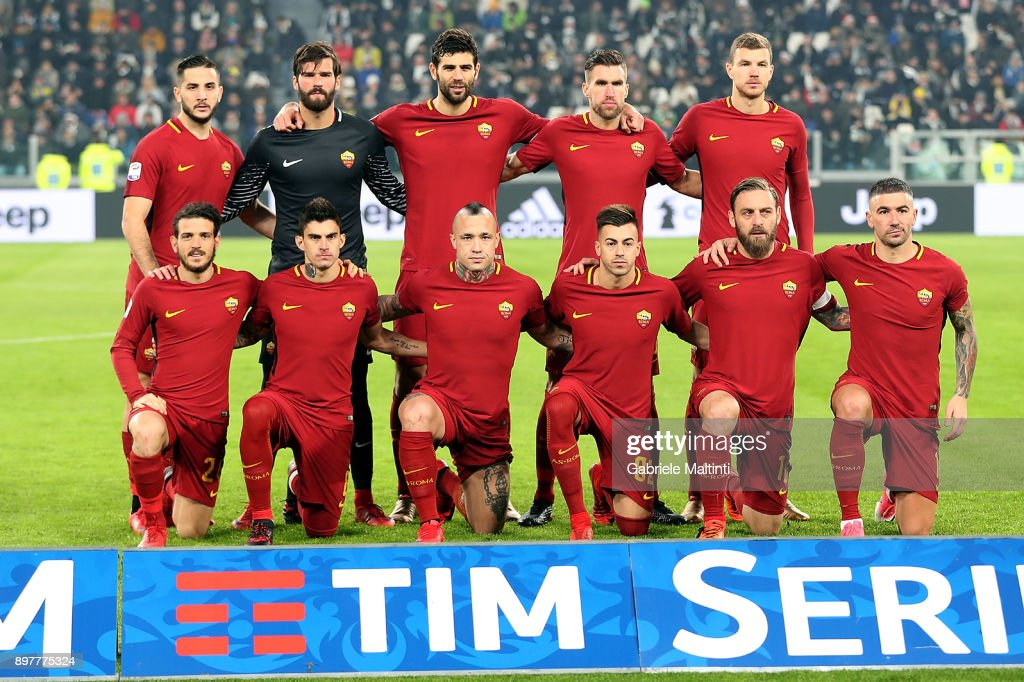 AS Roma poses during the serie A match between Juventus and AS Roma on December 23, 2017 in Turin, Italy.
