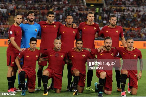 Roma team poses during the Serie A match between AS Roma and FC Internazionale on August 26 2017 in Rome Italy