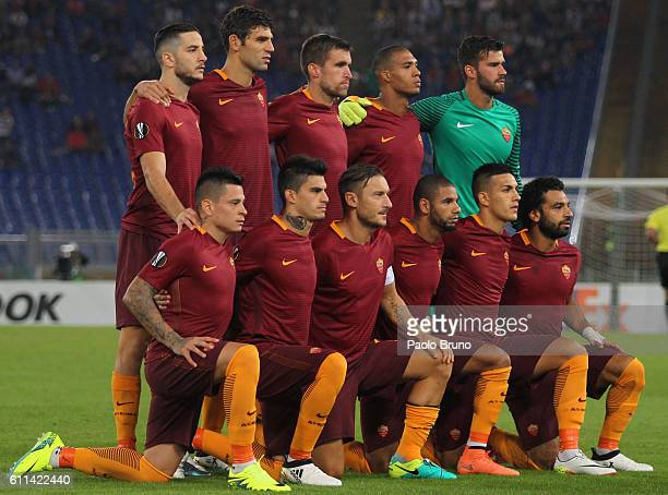 Roma team poses during the UEFA Europa League match between AS Roma and FC Astra Giurgiu at Olimpico Stadium on September 29 2016 in Rome
