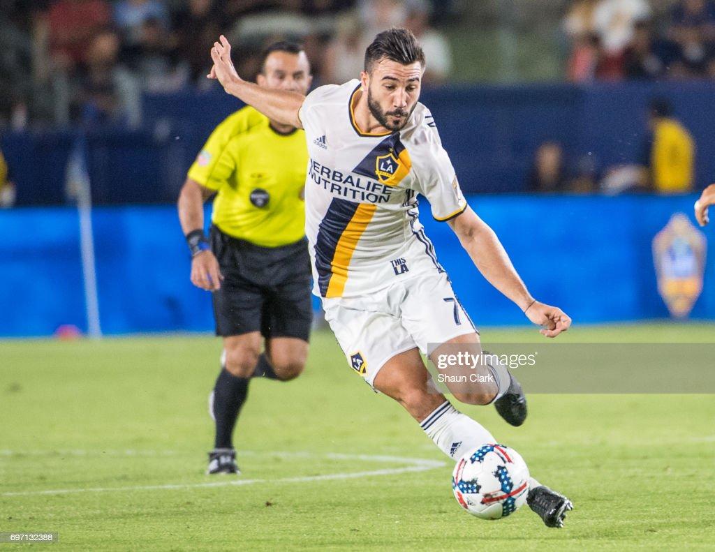 Houston Dynamo   v Los Angeles Galaxy
