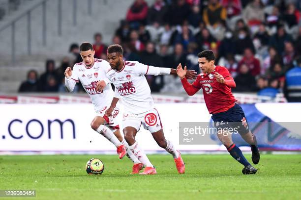 Romain FAIVRE - 15 Steve MOUNIE - 21 Benjamin ANDRE during the Ligue 1 Uber Eats match between Lille and Brest at Stade Pierre Mauroy on October 23,...