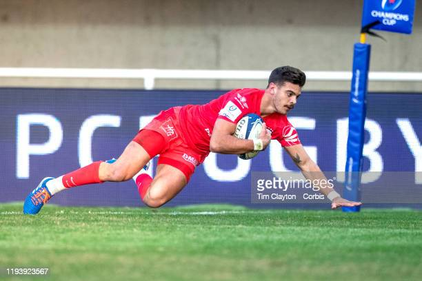 Romain Ntamack of Stade Toulouse races a way to score a try during the Montpellier V Stade Toulouse European Rugby Championship Cup match at the GGL...