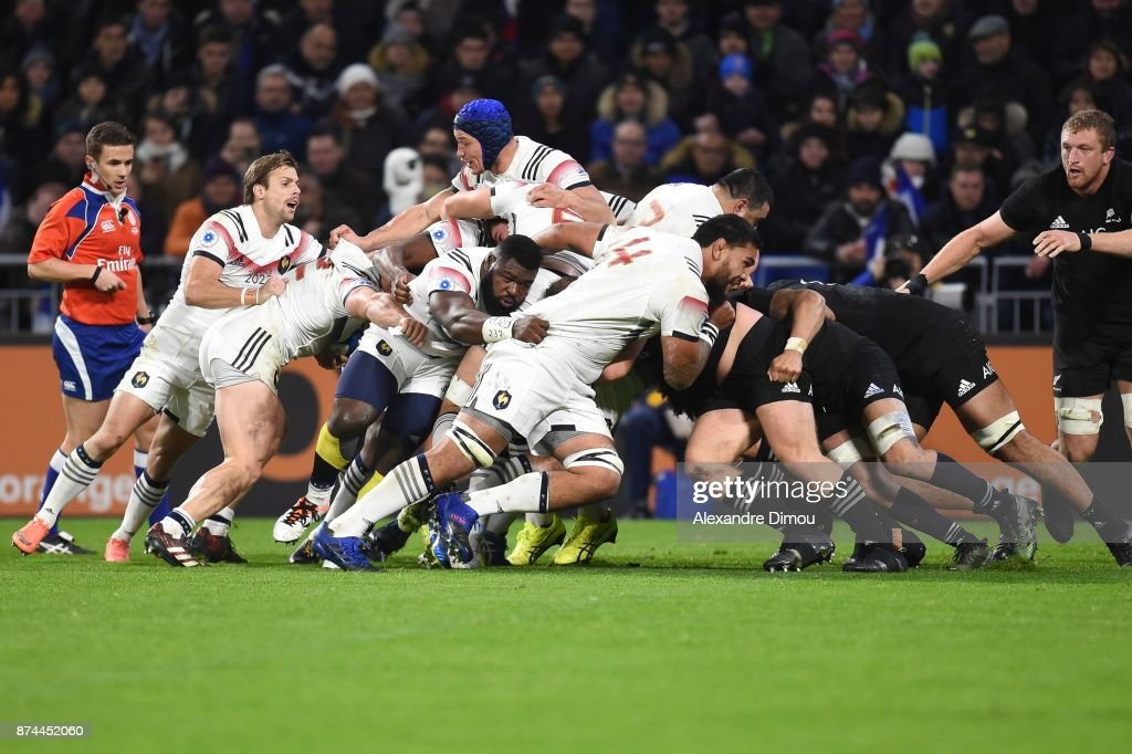 Romain Taofifenua and pack of France during the rugby test match between France and New Zealand at Stade des Lumieres on November 14, 2017 in Lyon, France.