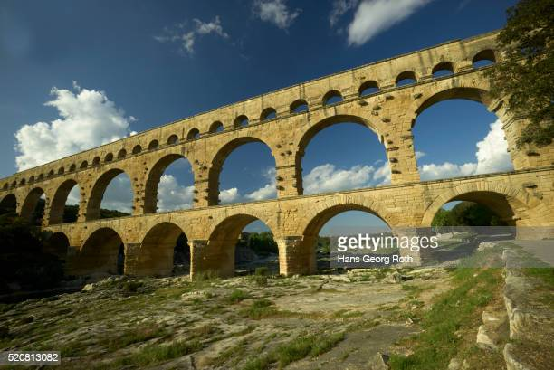 roman aqueduct pont du gard, world heritage site - ガール県 ストックフォトと画像
