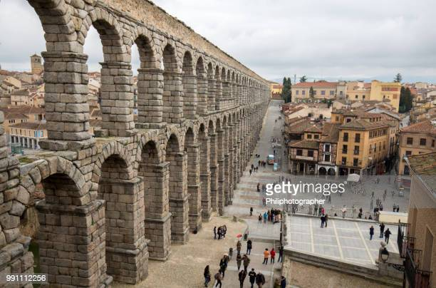 roman aqueduct segovia, spain - segovia stock pictures, royalty-free photos & images