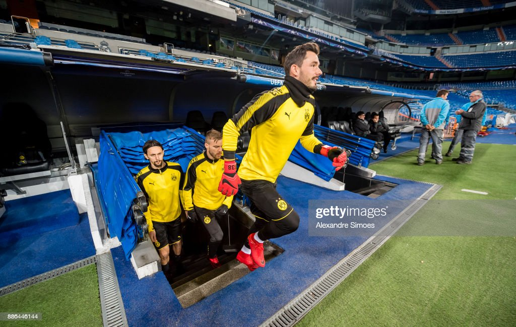 Roman Buerki of Borussia Dortmund during the last training session prior to the UEFA Champions League match between Real Madrid and Borussia Dortmund on December 05, 2017 in Madrid, Spain.