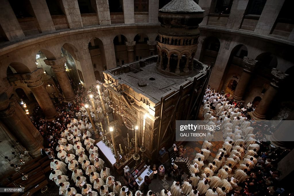 TOPSHOT-ISRAEL-PALESTINIAN-JERUSALEM-RELIGION-CHRISTIANITY-EASTE : News Photo