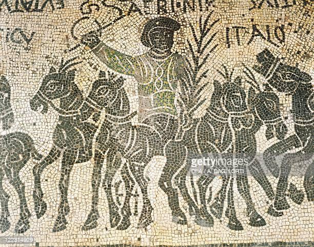 Roman civilization 4th century Mosaic depicting a quadriga during chariot racing in a circus