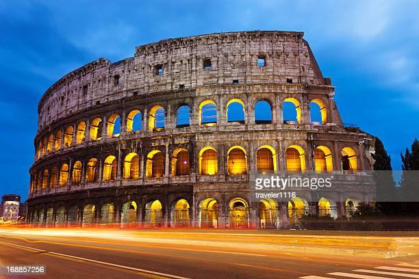 coliseo romano - colosseum fotografías e imágenes de stock