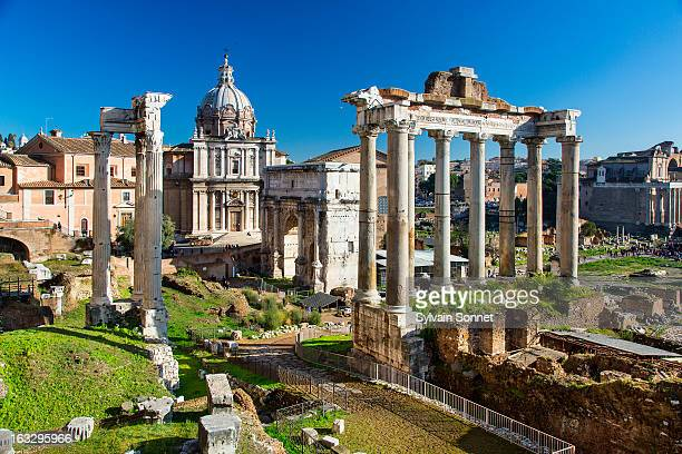roman forum, arch san severus and temple of saturn - arch of septimus severus stock pictures, royalty-free photos & images