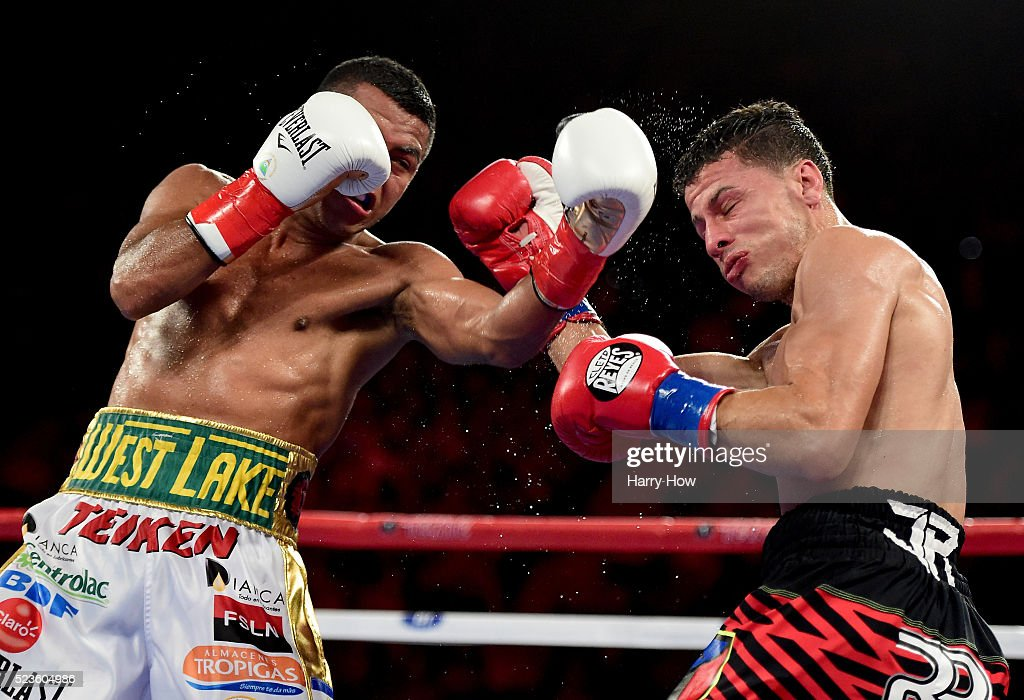 Roman Gonzalez v McWilliams Arroyo : News Photo
