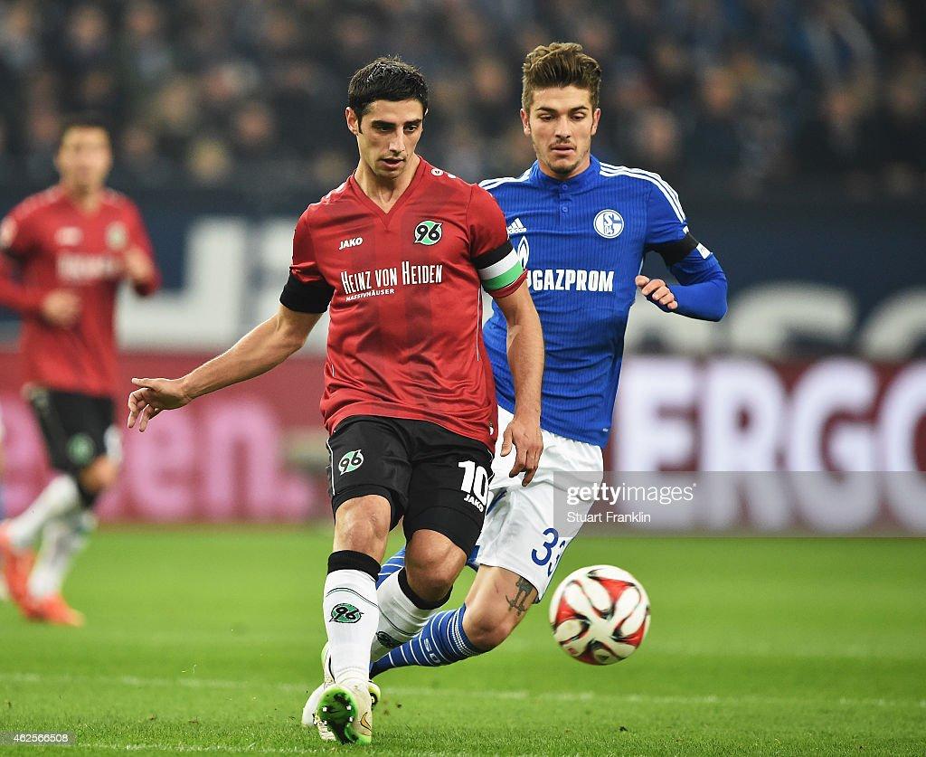 FC Schalke 04 v Hannover 96 - Bundesliga : News Photo