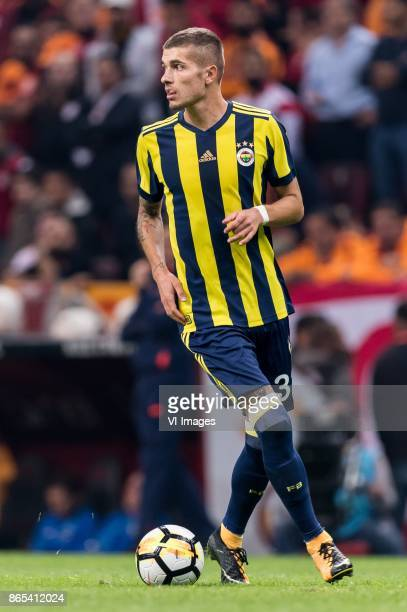 Roman Neustadter of Fenerbahce SK during the Turkish Spor Toto Super Lig football match between Galatasaray SK and Fenerbahce AS on October 22 2017...