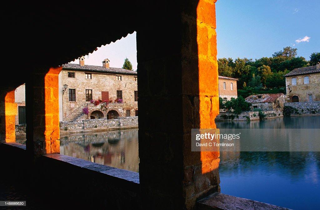 Roman piscina at bagno vignoni stock photo getty images