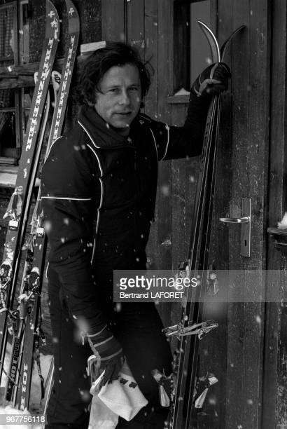Roman Polanski en vacances aux sports d'hiver à Gstaad le 16 janvier 1977, Suisse.