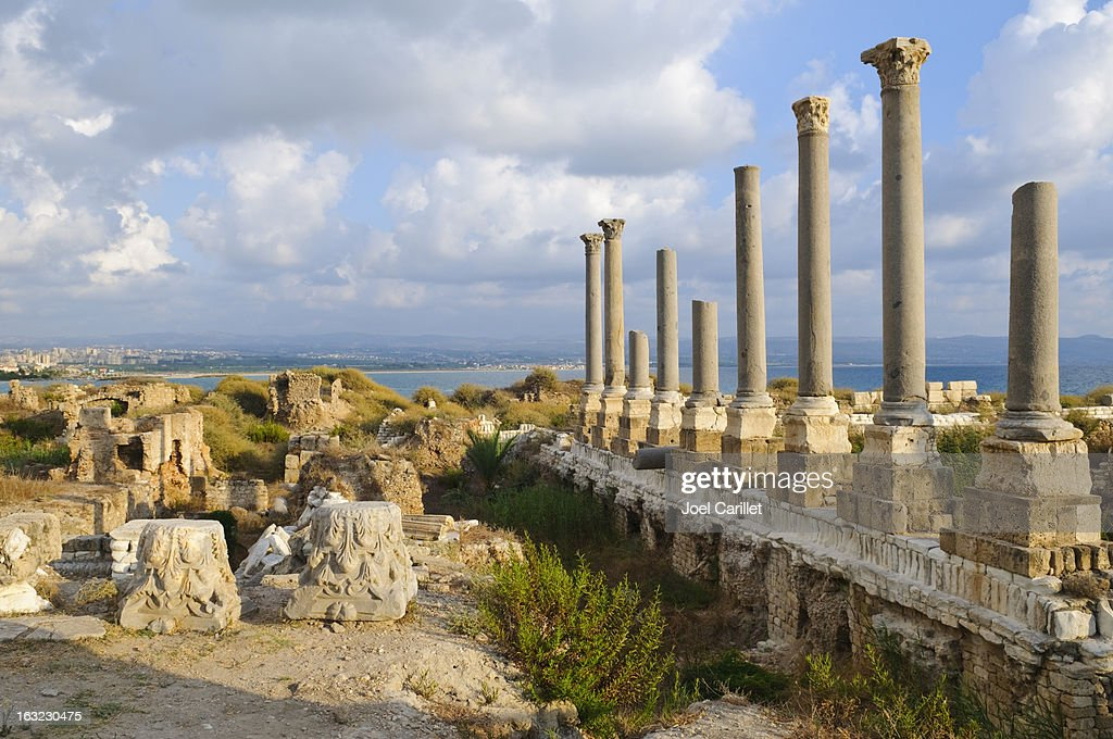 ローマの遺跡海で Tyre ,Lebanon : ストックフォト