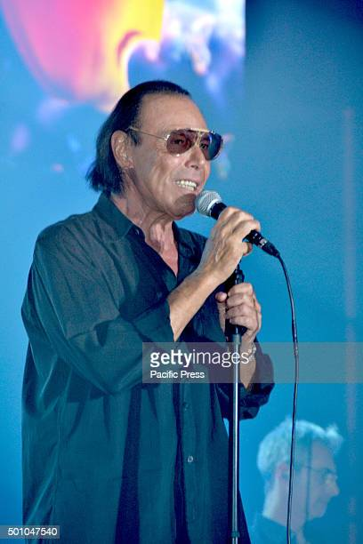 "Roman singer Antonello Venditti performs during his live concert at Palapartenope with his ""Tortuga Tour"". Antonello Venditti is an Italian singer..."