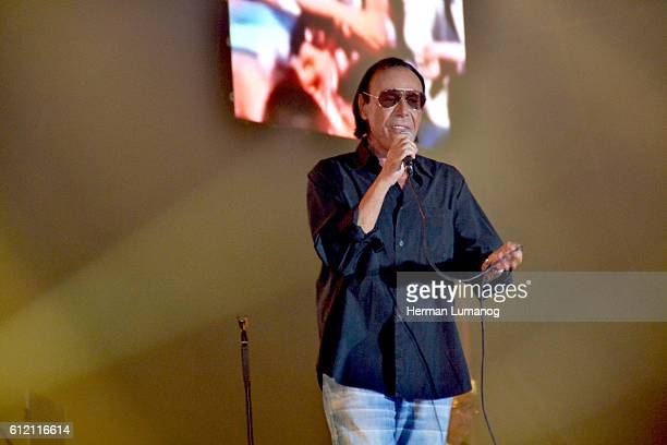 Roman singer Antonello Venditti performs during his live concert at Palapartenope with his Tortuga Tour Antonello Venditti is an Italian singer and...