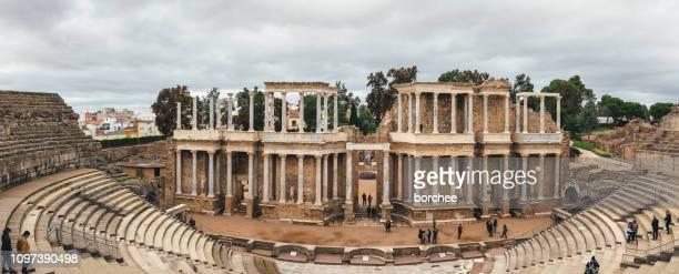 teatro romano de merida - extremadura fotografías e imágenes de stock