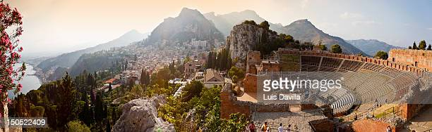 roman theatre - taormina stock pictures, royalty-free photos & images