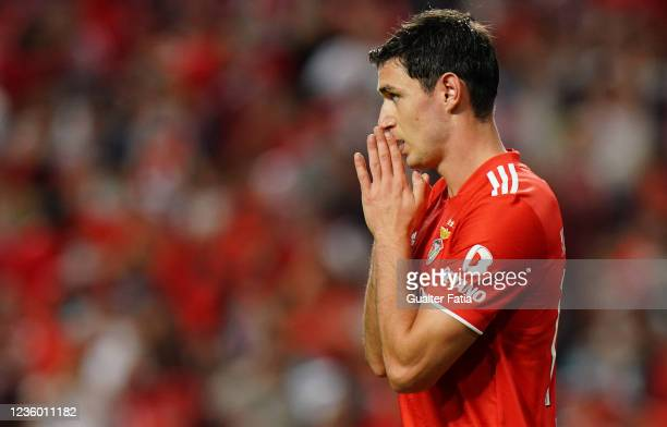 Roman Yaremchuk of SL Benfica reaction after missing a goal opportunity during the Group E - UEFA Champions League match between SL Benfica and...