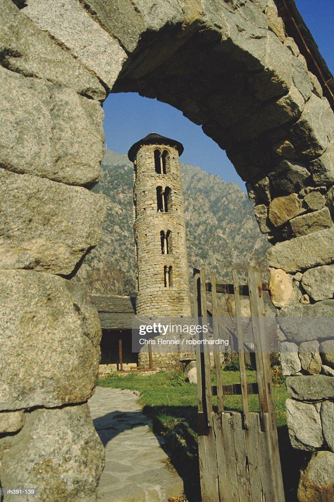 Romanesque church, 12th century bell tower, Santa Coloma, Andorra : Stockfoto