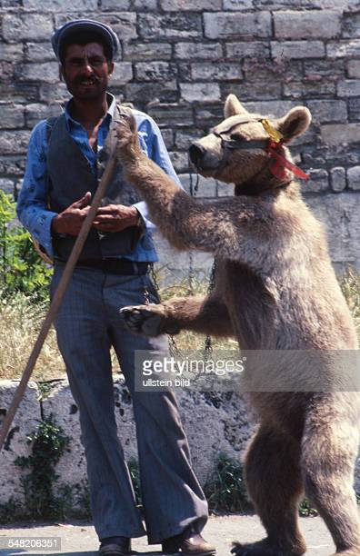 Romania dancing bear 1970