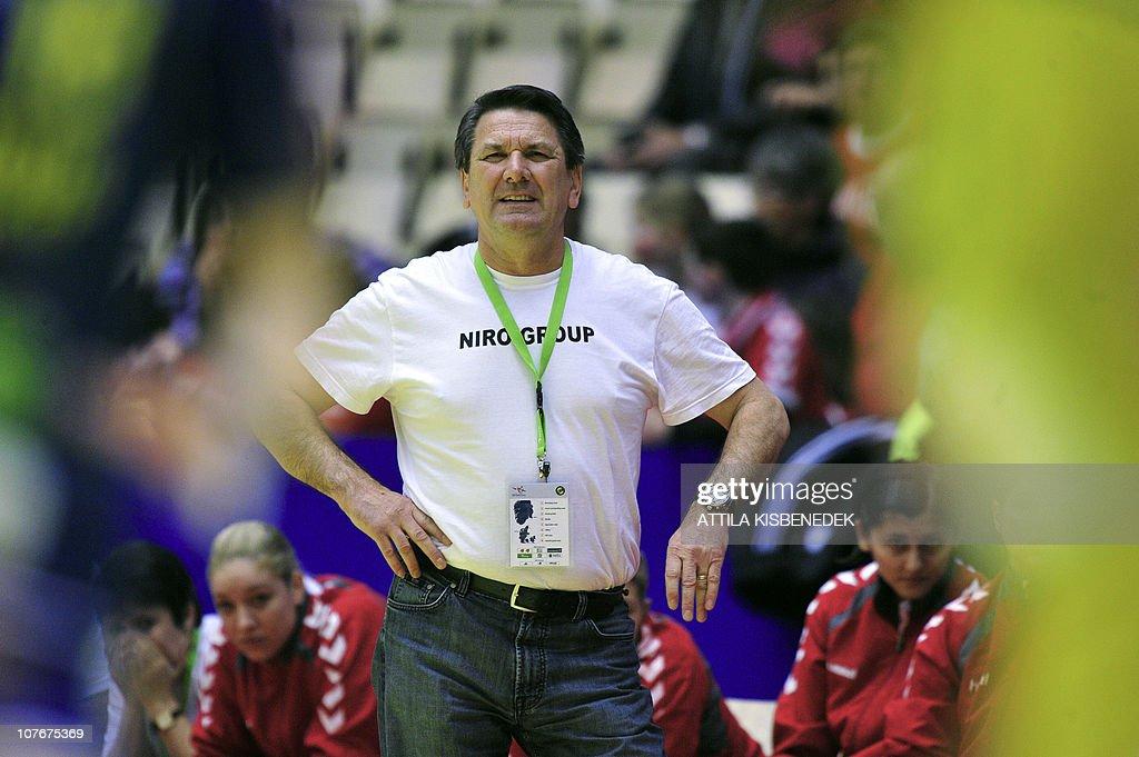 Romanian coach Radu Voina is seen agains : News Photo
