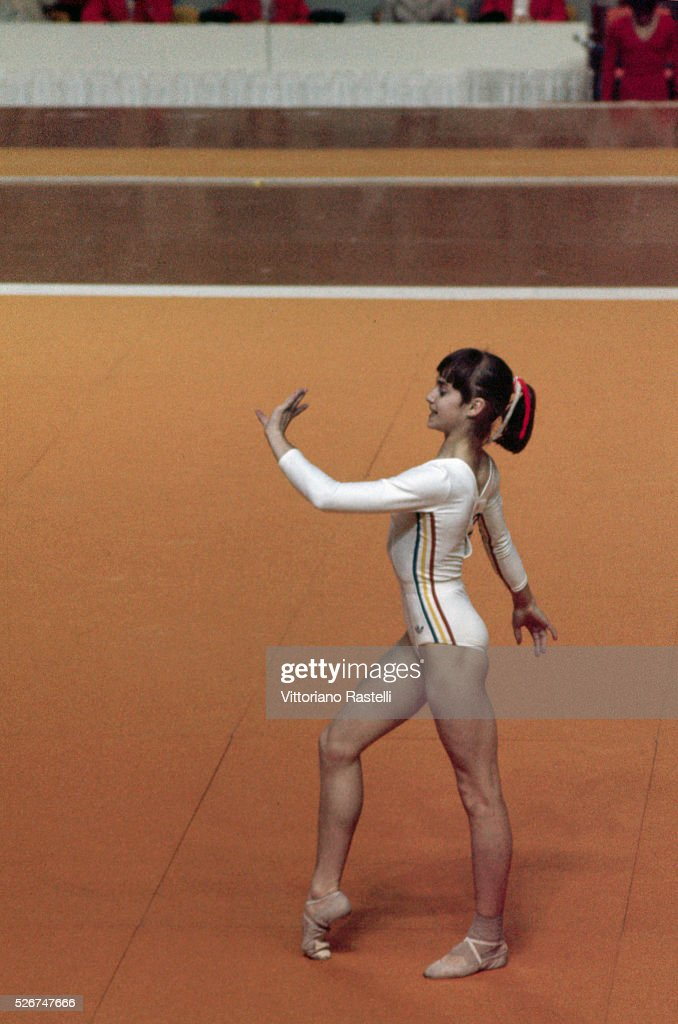 Nadia Comaneci Pictures and Photos in 2021 | Nadia