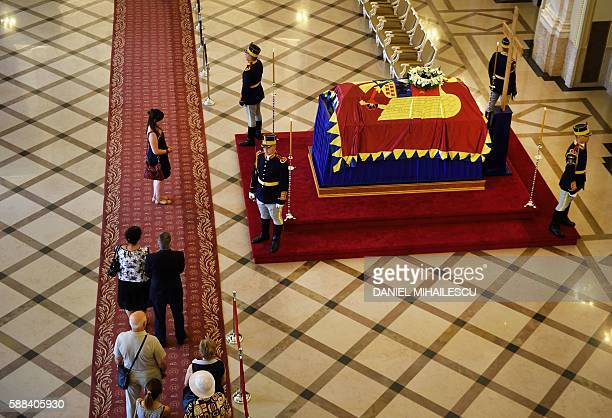 Romanian pay respect to the late Queen Anne of Romania at the Royal Palace now The Art Museum of Romania in Bucharest August 11 2016 The body of Anne...