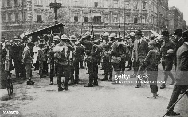 Romanian troops in the streets of Budapest, Hungary, from the magazine L'Illustrazione Italiana, year XLVI, no 36, September 7, 1919.