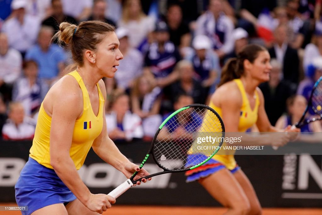 TENNIS-FEDCUP-FRA-ROM : News Photo