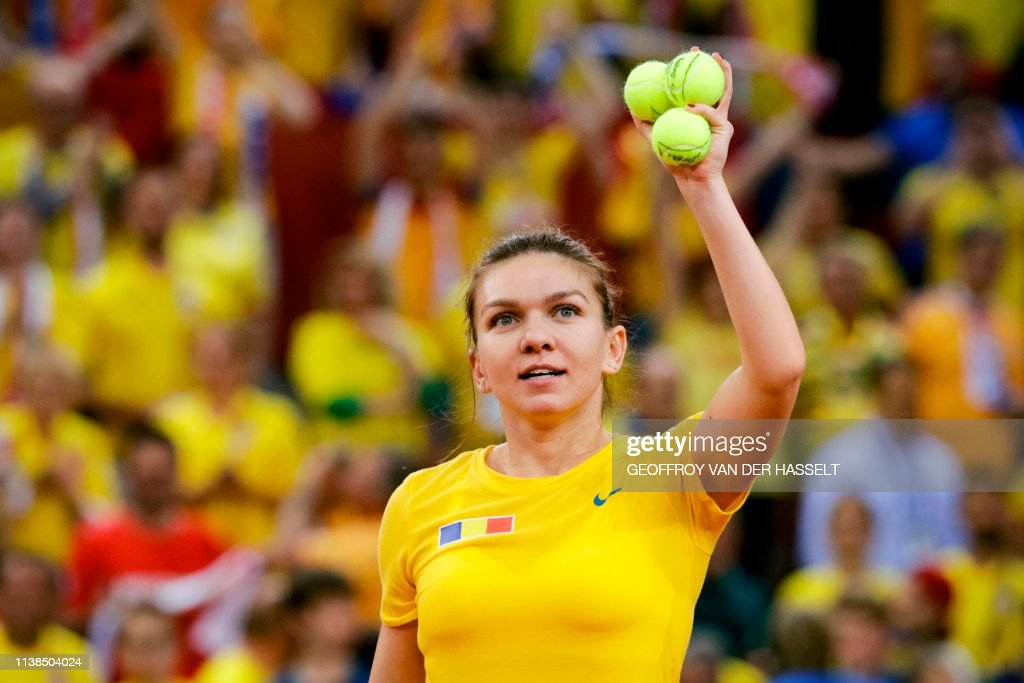 TENNIS-FEDCUP-FRA-ROU : News Photo