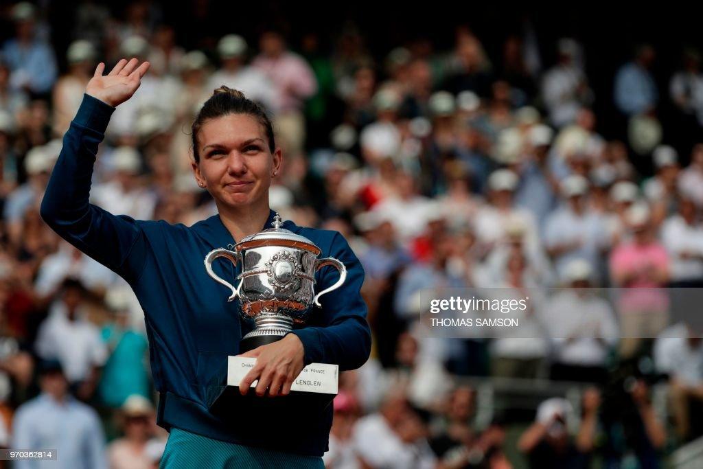 TENNIS-FRA-OPEN-WOMEN-FINAL : News Photo
