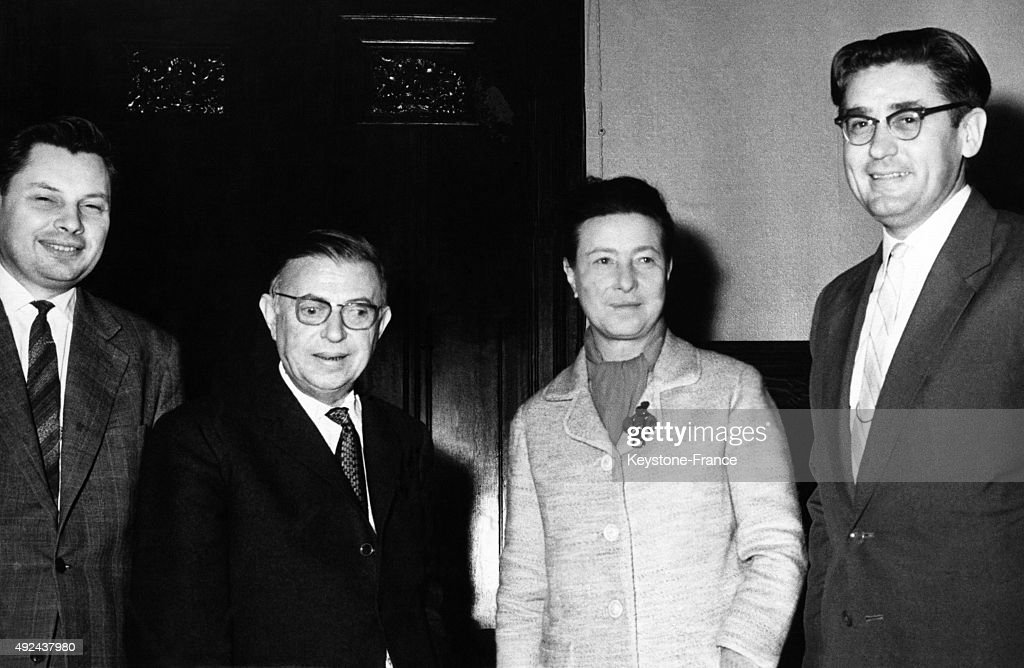 Simone De Beauvoir And Jean-Paul Sartre In Moscow : News Photo
