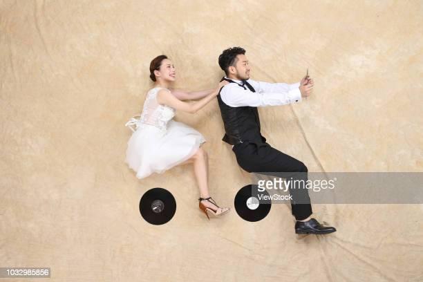 romantic couples - 一張羅 ストックフォトと画像
