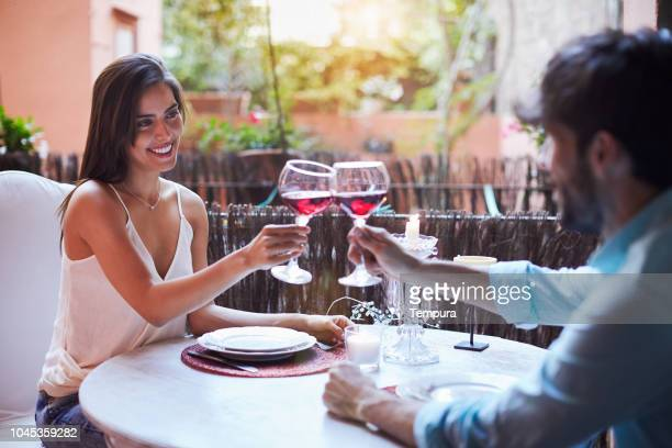 romantic dinner - romantic dinner stock pictures, royalty-free photos & images