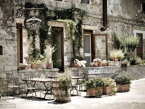romantische italienische osteria. - italienische kultur stock-fotos und bilder